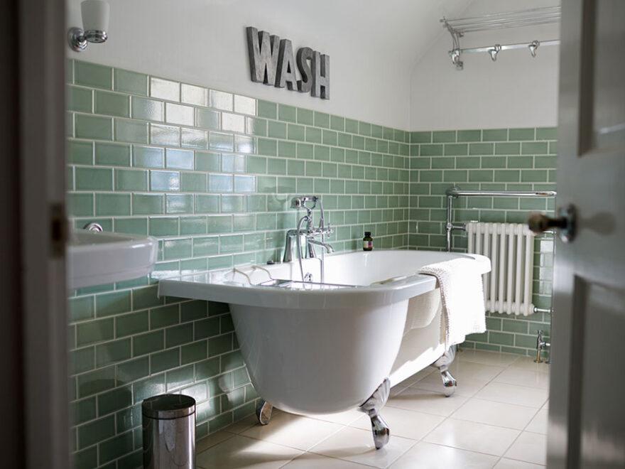 Fliesen im Bad streichen - worauf zu achten? - Schlauerbauen.de